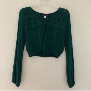 🆕Francesca's Collection XS Green Long-Sleeve Top